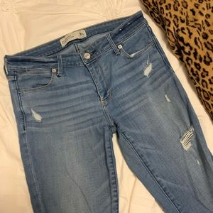 Abercrombie & Fitch Ripped Ankle Jeans